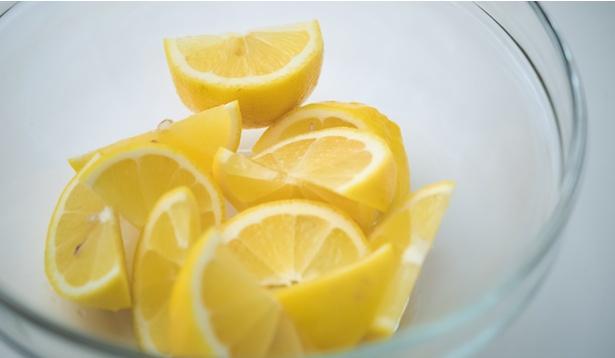 鶏肉をレモンに漬け込むとお肉が酸性に!?