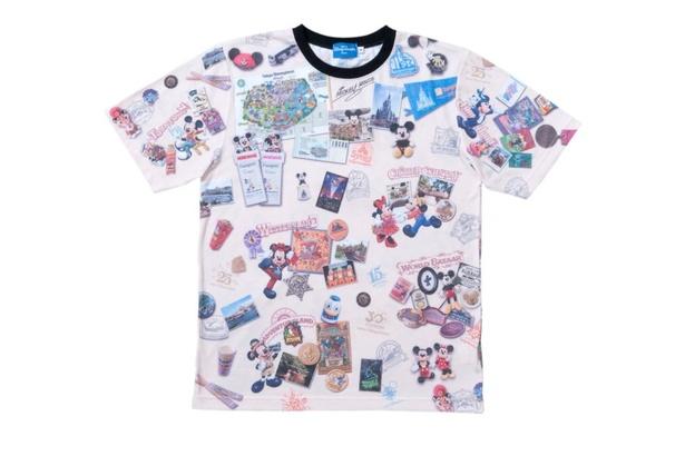 白地に首元は黒と落ち着いた色合いのTシャツ(1900~2900円※サイズによって価格は異なる)