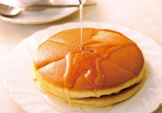 約5種からドリンクを選べる「ホットケーキセット」(980円)がイチオシ/純喫茶アメリカン