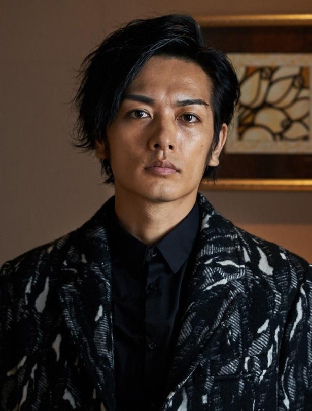 久保田悠来が国会議員でヒロイン・真里乃の幼なじみ・黒川を演じる