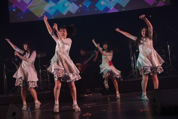 メジャーデビューが発表されたsora tob sakana。バンド編成で中野サンプラザに集まったファンを魅了した