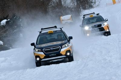 シンメトリカルAWDを搭載により、雪面などの悪路でも走行安定性は抜群だ