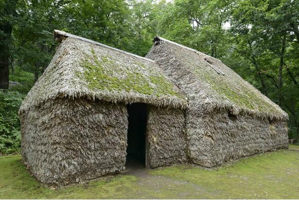 旭川市博物館の分館にあるササで作られた伝統的住居