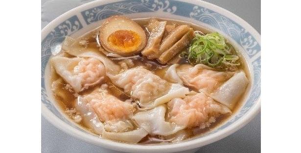 開発担当オススメの海老雲呑×醤油スープは、あっさりとした雲呑に背脂のコクと鶏油の風味で厚みのある醤油味が相性抜群