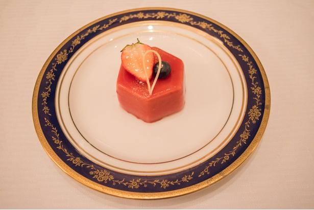 トリプルベリーの苺ムース