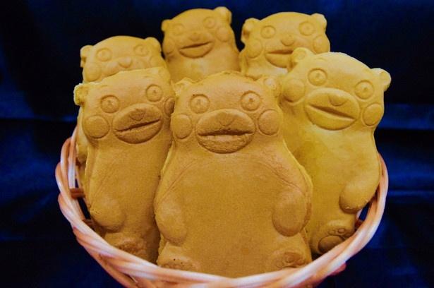 「もなりお」(熊本)の「くまモンの人形焼」(250円)