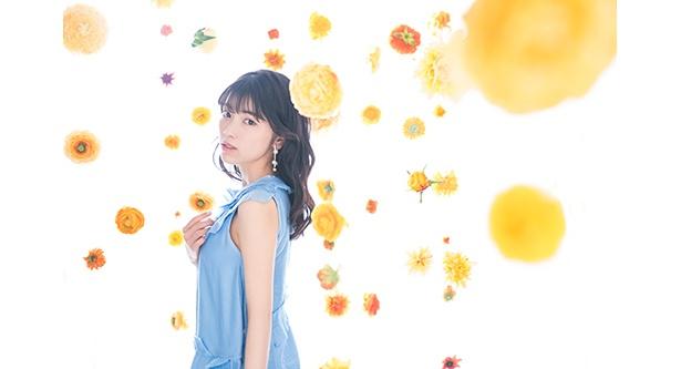 """""""キャリさん""""(石原夏織)のデビューシングル「Blooming Flower」のアー写、ジャケ写が解禁となった"""