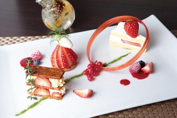 ミルフィユ、タルト、ショートケーキの3種類のイチゴスイーツ