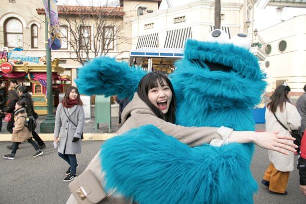 キャラクターと一緒の写真は、ゲスト同士で頼み合うスタイル/ユニバーサル・スタジオ・ジャパン