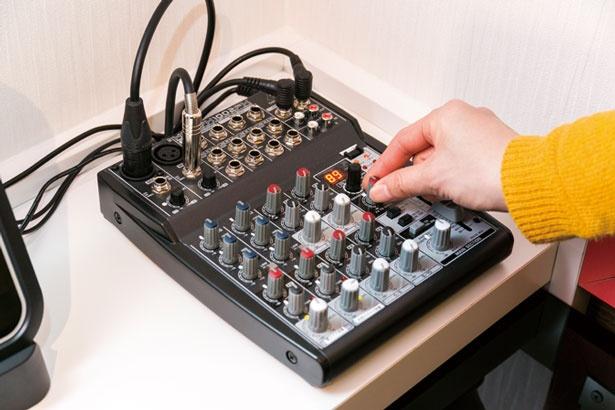 ミキサーで音のバランスや音量、エコーなどのエフェクトまで、自分好みに調整/ワンカラ心斎橋店