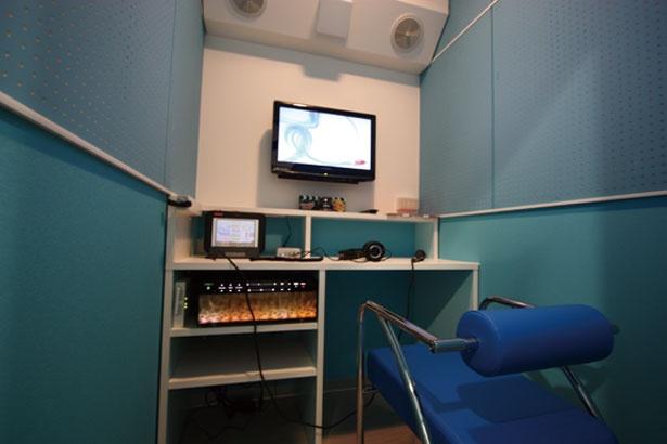 「LIVEDAM STADIUM」や「JOYSOUND MAX」など最新機種を完備/イチカラ河原町店
