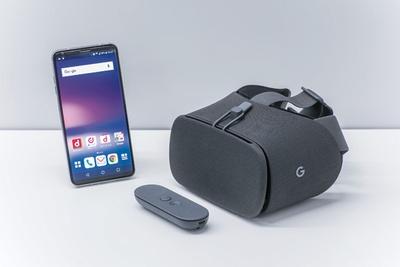 「V30+」を買うと、今なら「Google Daydream View」がもらえる!※なくなり次第終了