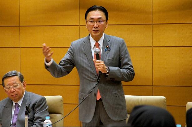忍者NINJA議員連盟の発起人、衆議院議員の古屋圭司氏
