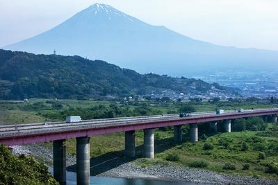 レストラン側の展望台正面に富士山が!