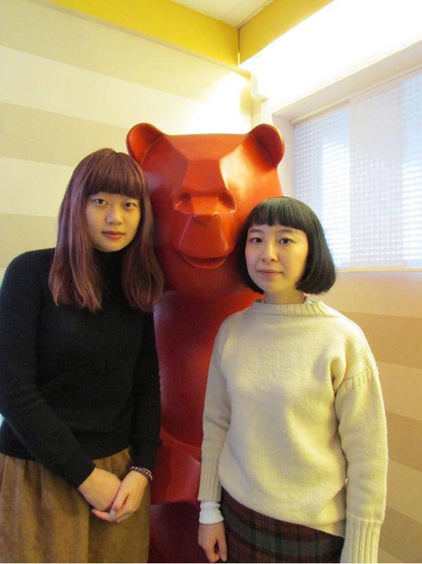 『あみこ』の山中瑶子監督(左)と『わたしたちの家』の清原惟監督(右)