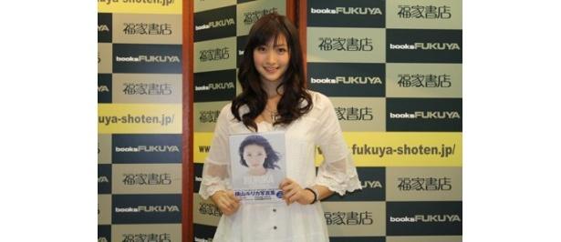 写真集「RURIKA 430days.」を発売したアイドリング!!!9号・横山ルリカ