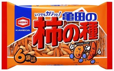 【写真を見る】柿の種とピーナッツの絶妙バランスが楽しめる「亀田の柿の種」