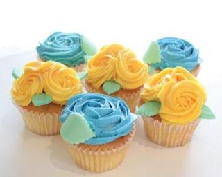 「LOLA'S Cupcakes Tokyo」から、ローズのカップケーキがホワイトデーまで限定登場!