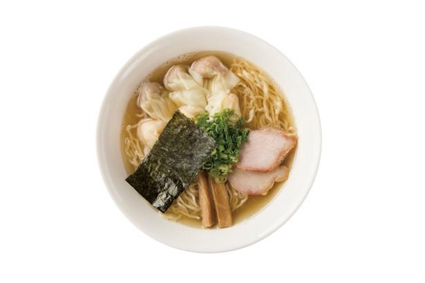 「白だし特製ワンタン麺」(1000円)の特製ワンタンはエビと肉の2種類ある。