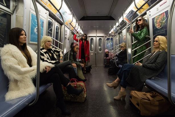 サンドラ・ブロックやケイト・ブランシェット、リアーナなど豪華スターが出演する『オーシャンズ8』