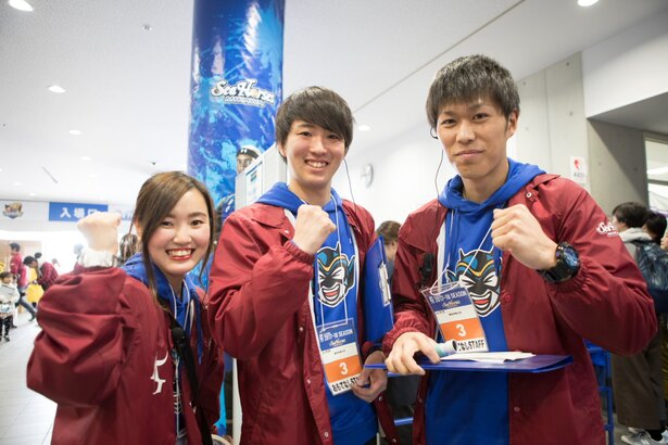 左からAGUの入野さん、松井さん、此本さん