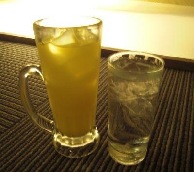 """その3「""""大量の水""""がポイント。飲んだアルコールと同量を摂取」"""