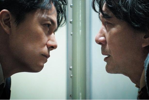 「三度目の殺人」で弁護士と容疑者を演じた福山雅治と役所広司