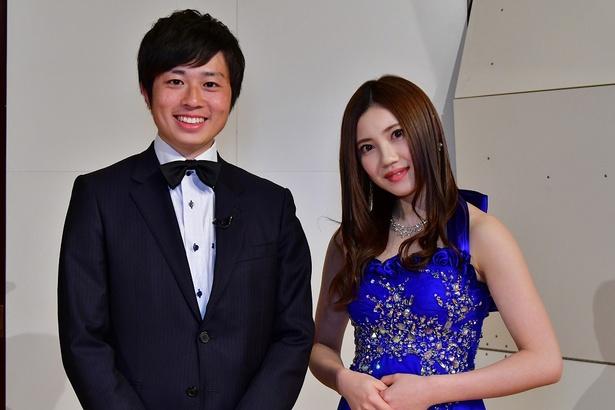 MCを務める北川綾巴(右)と熊崎風斗アナ(左)