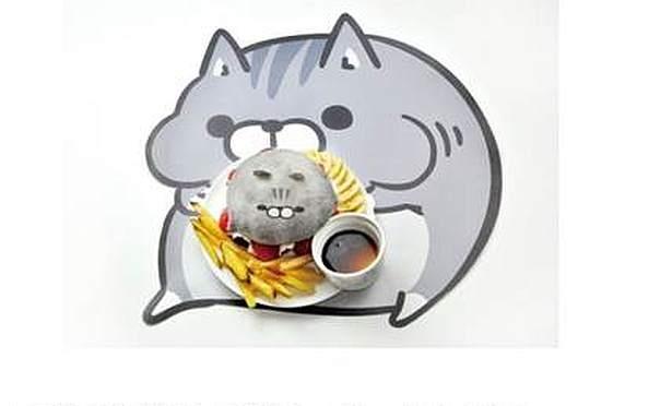 「あんまんボンレス猫バーガー」(1490円)は生クリームとイチゴも入ったあんまん