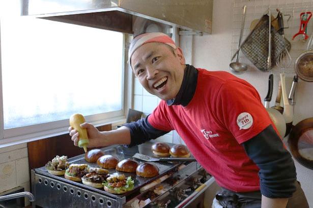 店主の今崎 伸さんの気さくな人柄が大人気!