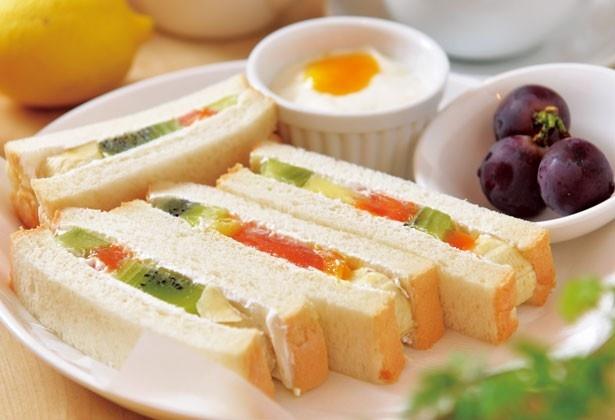 「フルーツサンド」(880円)/fruit cafe Saita! Saita!