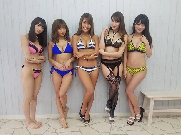 (左から)上村みやび、葉月あや、橋本梨菜、森咲智美、☆HOSHINO