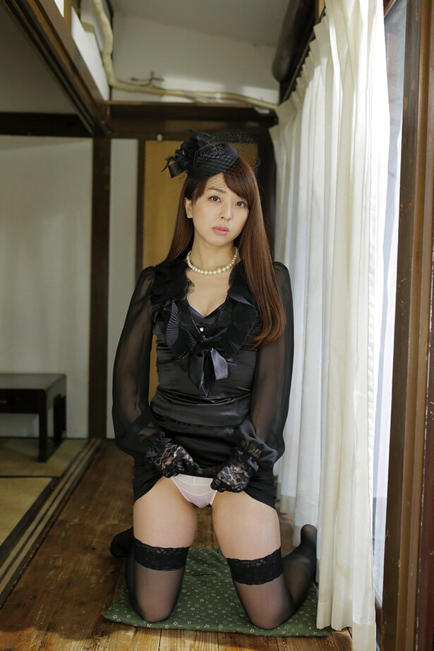 祥子 DVD 誘う女 喪服 画像