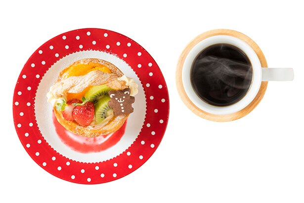 「grignoter」りす(HOT、右・500円)、特別おやつセット(ドリンク付き、左・950円)