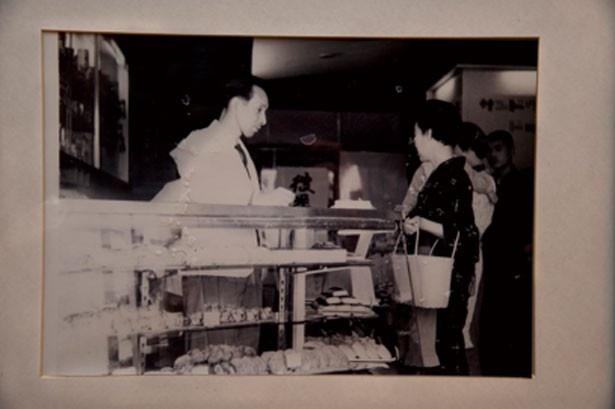 初代・井筒幸夫が創業し、合資会社イスズベーカリーを設立/イスズベーカリー元町店