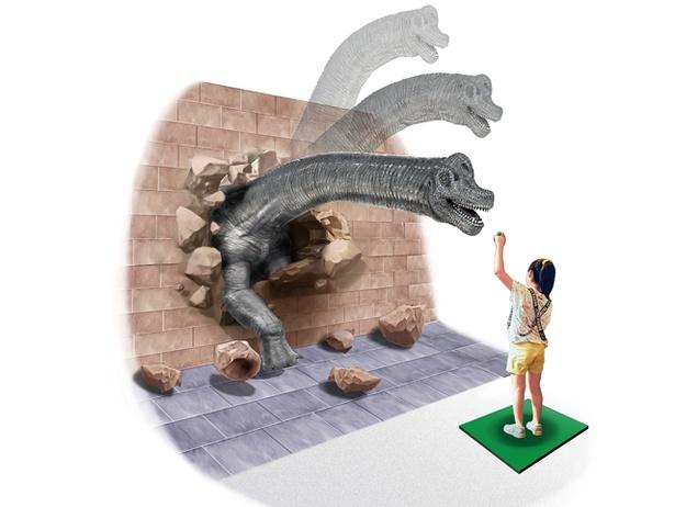 【写真を見る】人類の夢が実現?リアルな恐竜ロボットに餌やり体験ができる