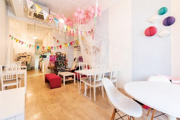 フォトジェニックな店内/cafe Rei
