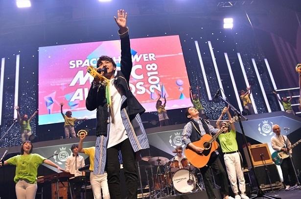 ゆず、星野 源、ONE OK ROCK、米津玄師&菅田将暉らのコメントに会場熱狂! スペシャ「MUSIC AWARDS」を総力リポート