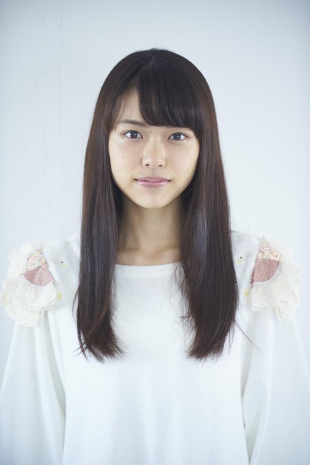 モリモモの友人・チカ役の鶴田奈々。キャスト陣唯一音楽業界からの出身として、その音楽センスが期待される