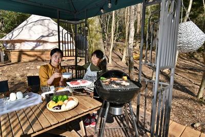 ワンランク上のキャンプ体験「グランピング」も最新施設を紹介