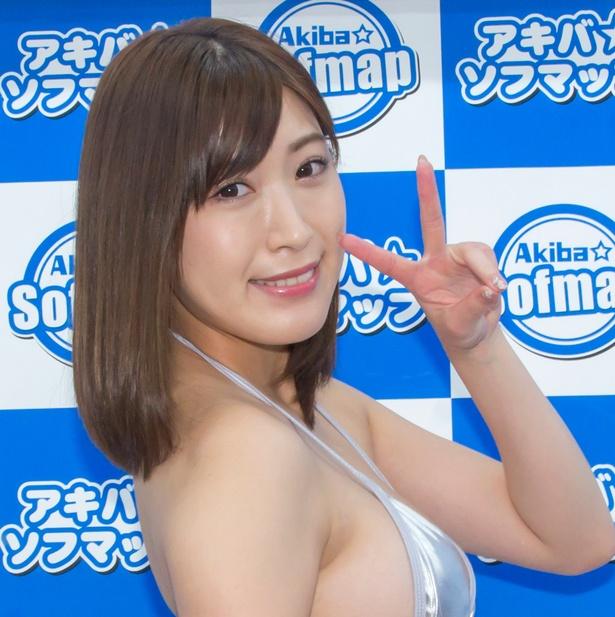 1st DVD「ミナミの果実」発売イベントに登壇した南杏奈