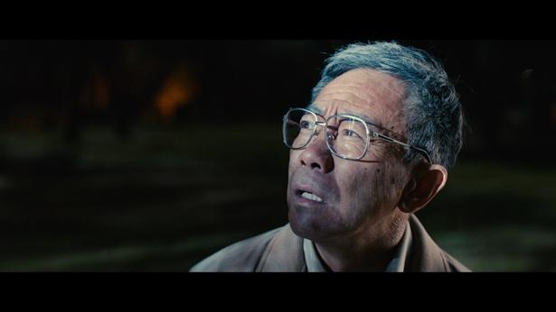 16年ぶりの映画主演となる木梨憲武が、正義のおじいちゃんヒーローに!(『いぬやしき』)