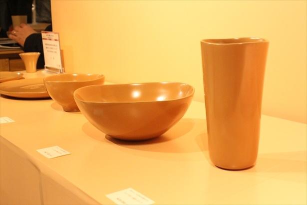 その他「ボウル」「お皿」など、その滑らかな曲線美が印象的だ
