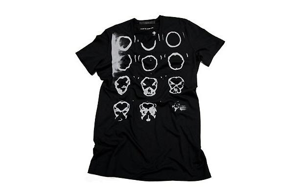 【写真】コラボTシャツ(12600円/税込)は5/22(土)に発売