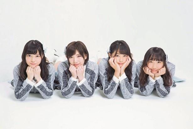 【写真を見る】キャプテン・岡田奈々や瀧野由美子らメンバー4人のオリジナル撮り下ろしSHOT!