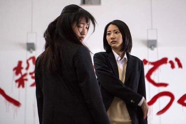 ドラマは緊迫した展開が続くが、特別映像では出演者たちの和やかな様子が公開されている