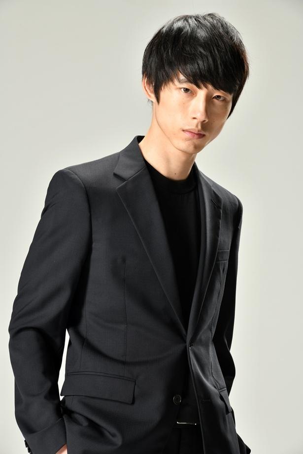 【写真を見る】初主演テレビドラマで新境地に挑む坂口健太郎