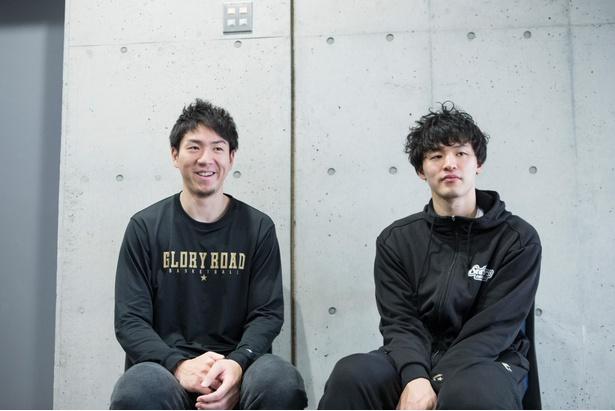 試合後、取材に応じる比江島選手(左)と西川選手(右)