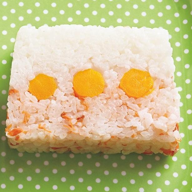 「鮭とにんじんのすしケーキ」