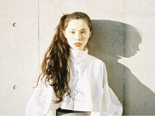 雑誌や広告などで活躍中のるうこ(@rororuko)も出品者ゲストとして登場